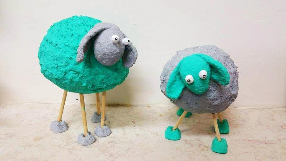 כבשים בטורקיז ואפור מעיסת נייר