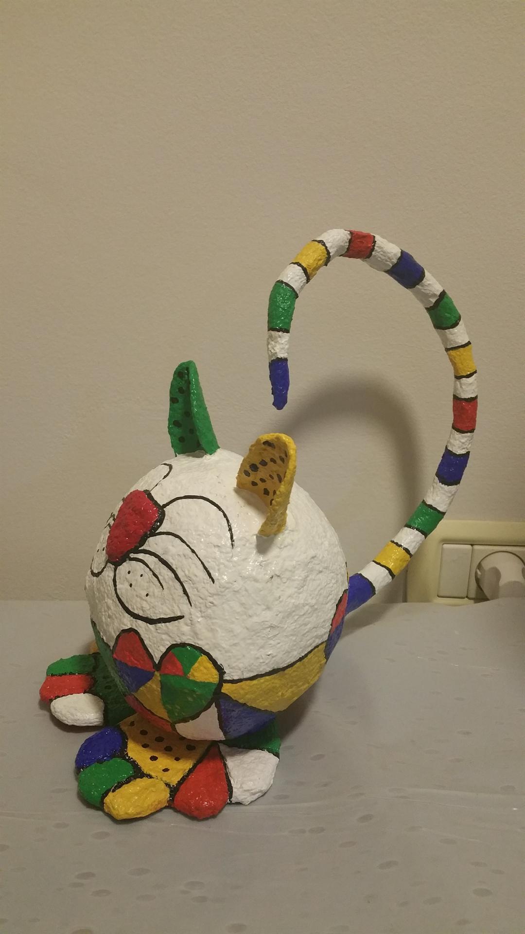 חתול צבעוני של לאה
